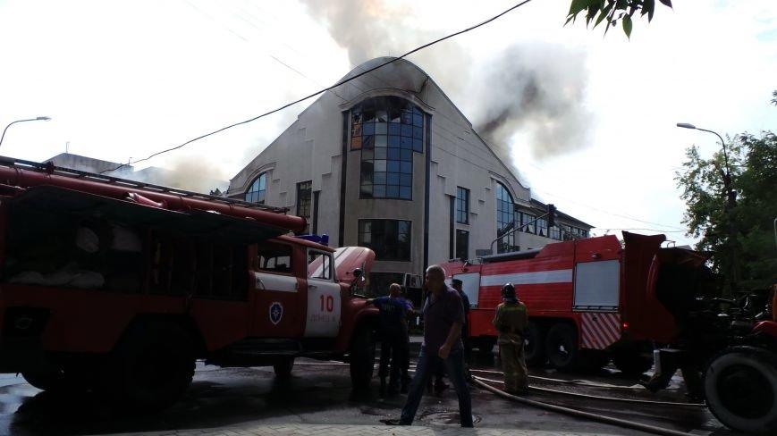 В Донецке сгорело здание ИСД. Кабинет мариупольского нардепа выгорел полностью (ФОТО), фото-3