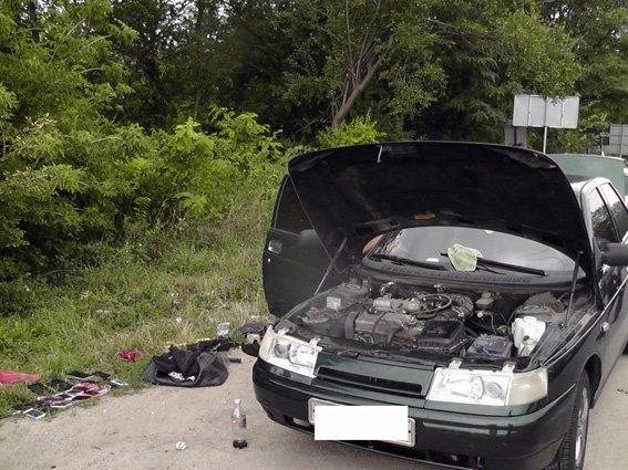 На Кировоградщине задержали автомобиль, в котором перевозили подозрительные вещи (ФОТО), фото-1
