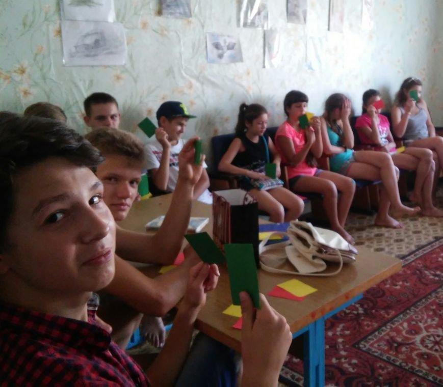 В лагере «Вогник» дети с радостью принимали участие в тренингах о здоровом образе жизни, фото-1