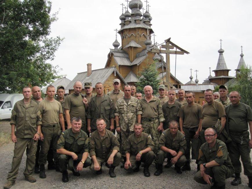 Нацгвардейцы Славянска отныне будут проводить культурный досуг в Святогорске, фото-10