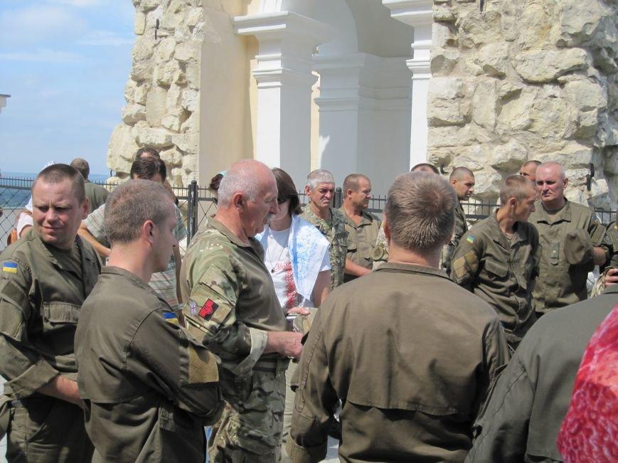 Нацгвардейцы Славянска отныне будут проводить культурный досуг в Святогорске, фото-3