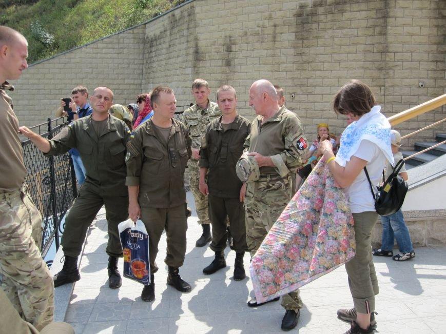 Нацгвардейцы Славянска отныне будут проводить культурный досуг в Святогорске, фото-5
