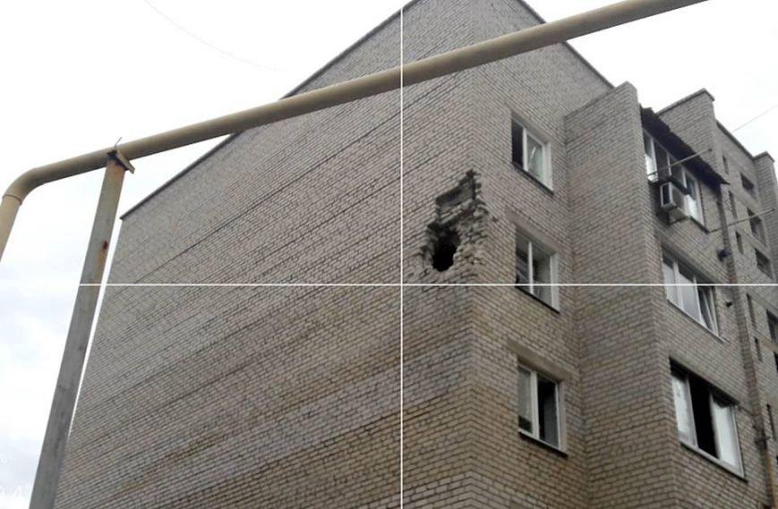Пятиэтажку в Марьинке проверили на прочность артиллерийскими снарядами (ФОТО), фото-3