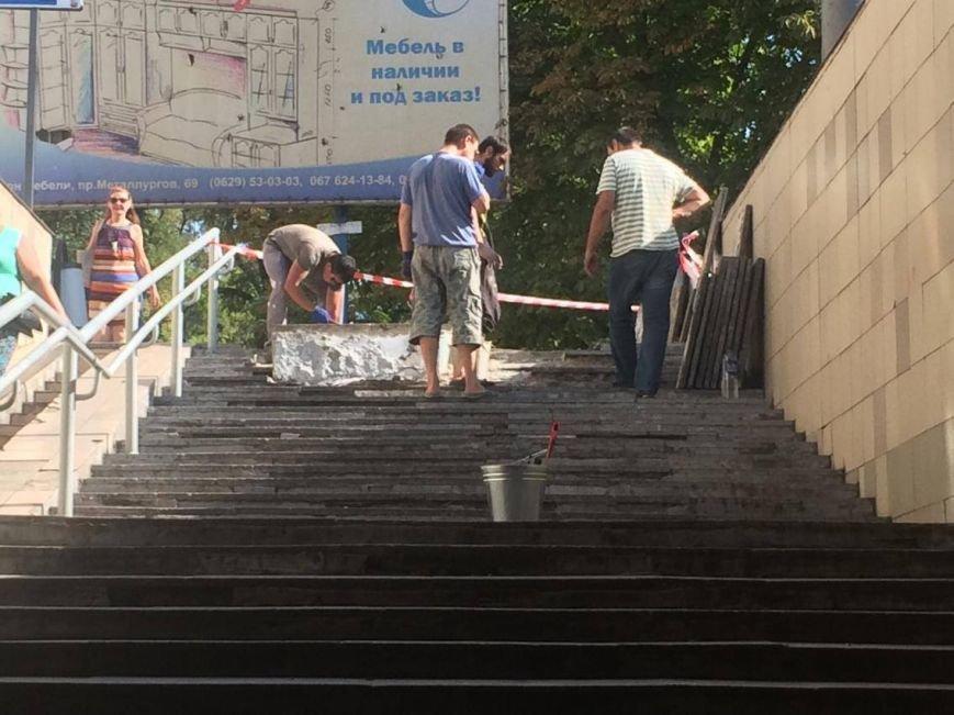 В Мариуполе арендатор решил отремонтировать подземный переход (ФОТО, ВИДЕО), фото-3
