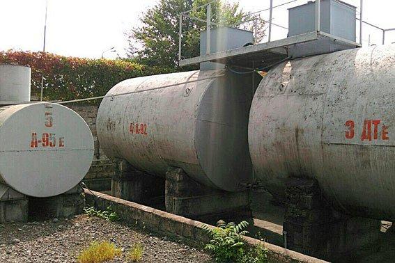 В Каменском мини-НПЗ изготавливал контрафактное топливо, фото-1