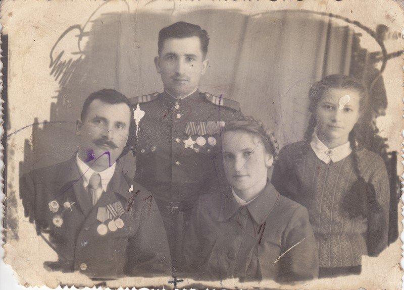Савченко И.С. с родственниками