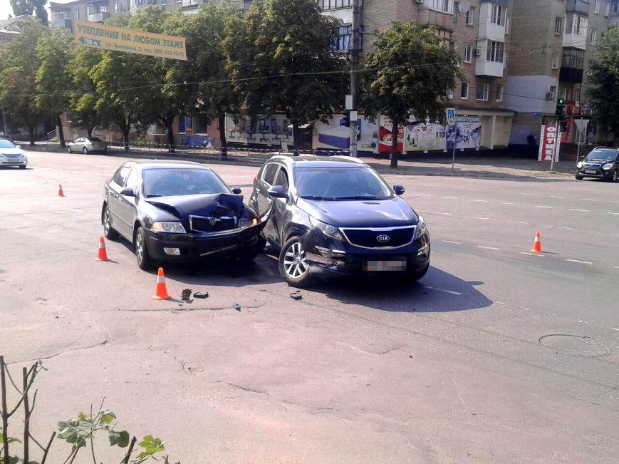 """Водитель  на """"Skoda"""" врезался в криворожанку на """"Kia"""", совершавшую поворот (ФОТО), фото-3"""