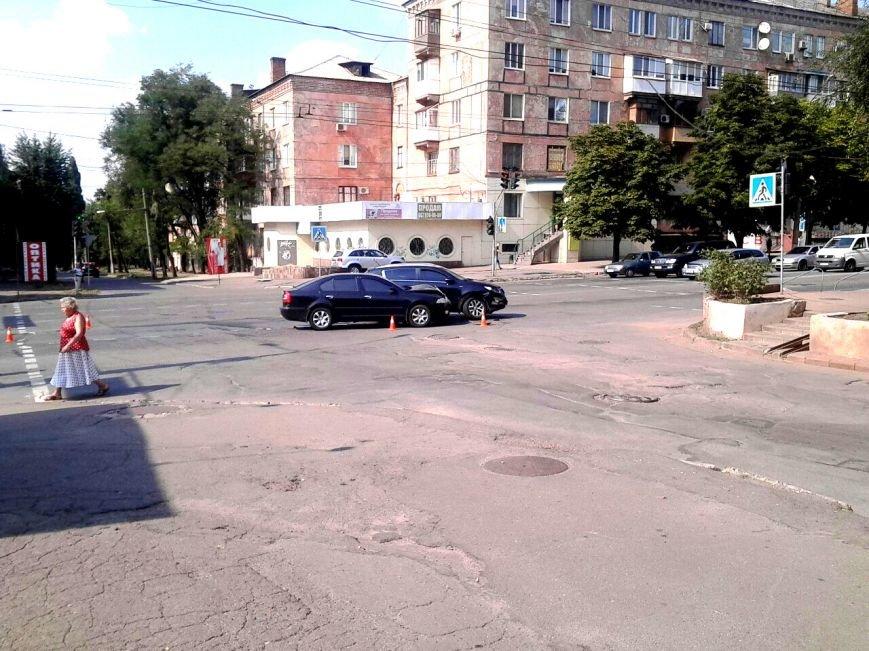 """Водитель  на """"Skoda"""" врезался в криворожанку на """"Kia"""", совершавшую поворот (ФОТО), фото-6"""