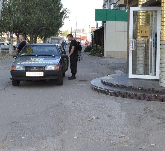 В Николаеве неизвестные обчистили ювелирку (ФОТО), фото-2