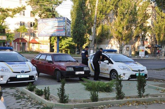 В Николаеве неизвестные обчистили ювелирку (ФОТО), фото-1