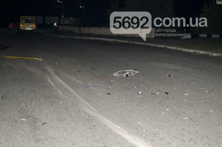 ДТП на мосту через Днепр в Каменском: сын экс-депутата горсовета врезался в маршрутку, фото-2