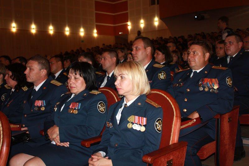 Белгородскому УФСИН вручили символ воинской чести – собственное знамя, фото-2