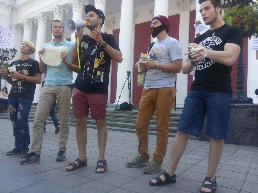 В Одессе активисты едва не закидали мэрию шаурмой (ФОТО, ВИДЕО), фото-3