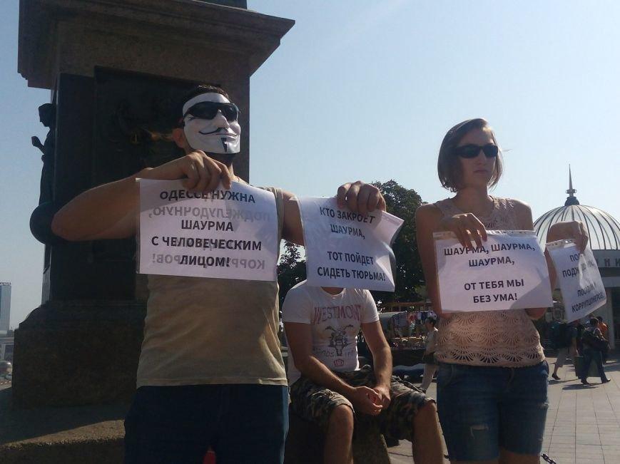 В Одессе активисты едва не закидали мэрию шаурмой (ФОТО, ВИДЕО), фото-22
