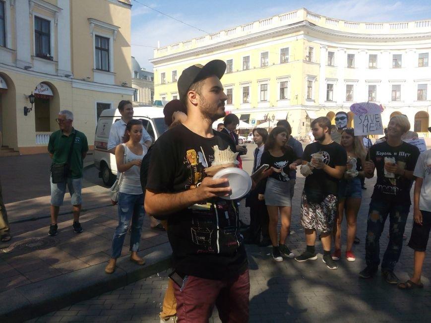 В Одессе активисты едва не закидали мэрию шаурмой (ФОТО, ВИДЕО), фото-16