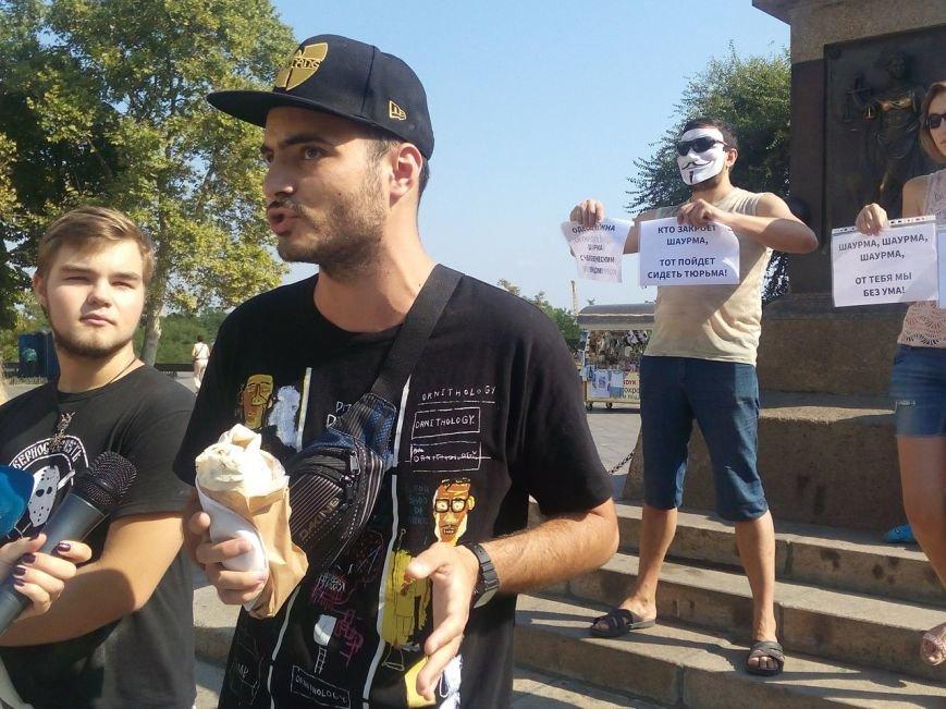 В Одессе активисты едва не закидали мэрию шаурмой (ФОТО, ВИДЕО), фото-20