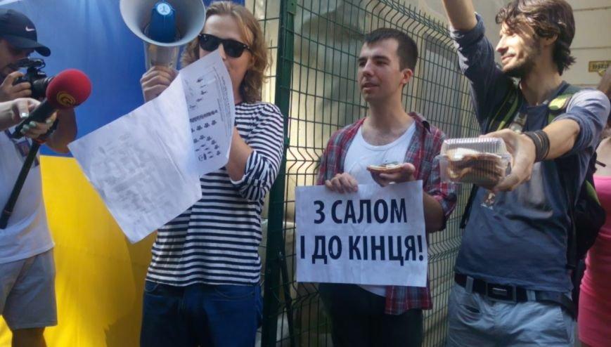 В Одессе активисты едва не закидали мэрию шаурмой (ФОТО, ВИДЕО), фото-5