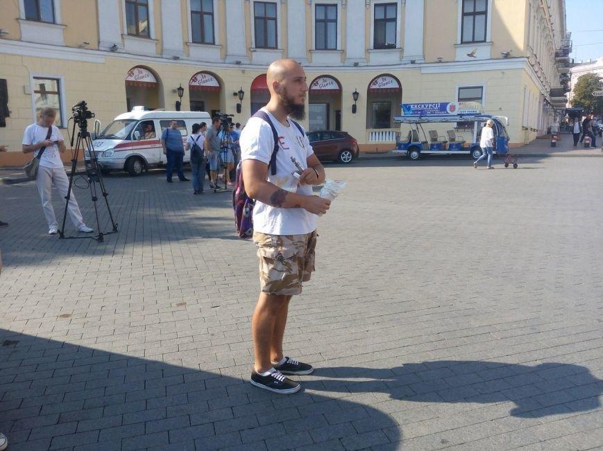 В Одессе активисты едва не закидали мэрию шаурмой (ФОТО, ВИДЕО), фото-11