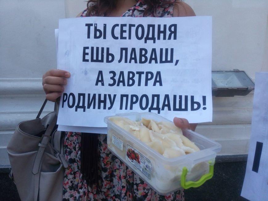 В Одессе активисты едва не закидали мэрию шаурмой (ФОТО, ВИДЕО), фото-21