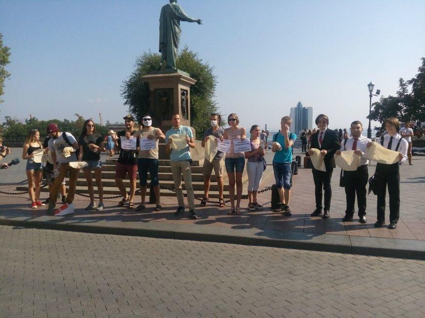 В Одессе активисты едва не закидали мэрию шаурмой (ФОТО, ВИДЕО), фото-17