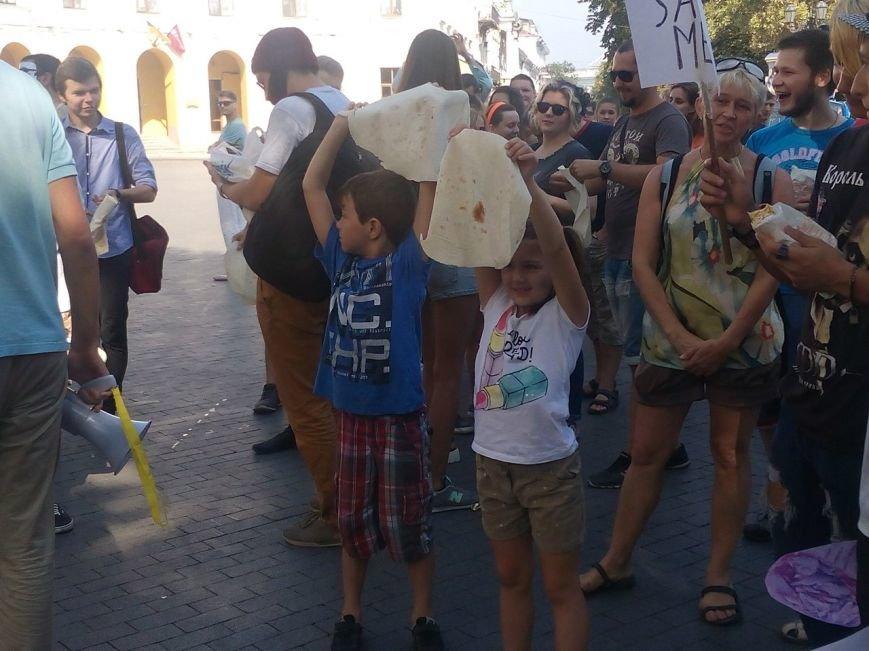 В Одессе активисты едва не закидали мэрию шаурмой (ФОТО, ВИДЕО), фото-1