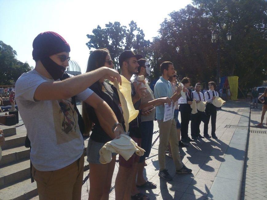 В Одессе активисты едва не закидали мэрию шаурмой (ФОТО, ВИДЕО), фото-18