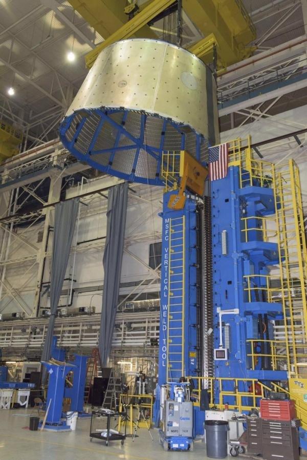 NASA збере найпотужнішу ракету в історії космонавтики для подорожі на Марс, фото-1