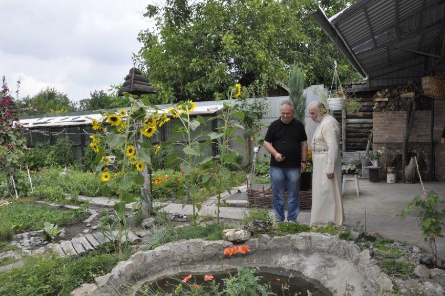 5-Во дворе есть прудик и действующая печь