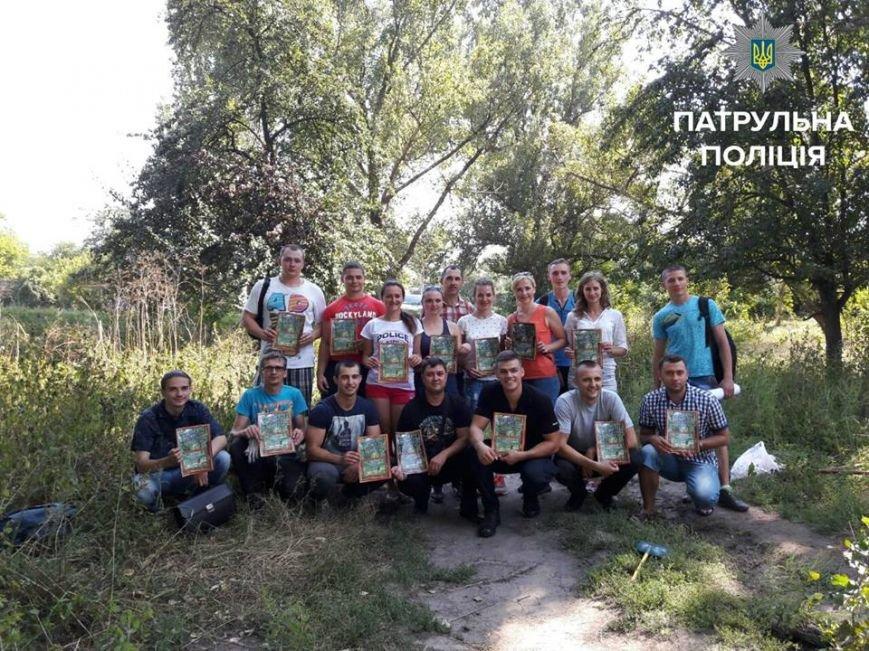 Патрульные вместе с горожанами наводили порядок в запущенном парке Космонавтов, фото-5