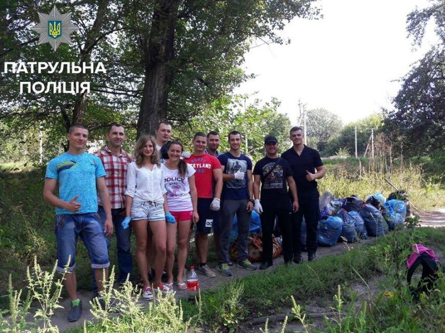 Патрульные вместе с горожанами наводили порядок в запущенном парке Космонавтов, фото-6