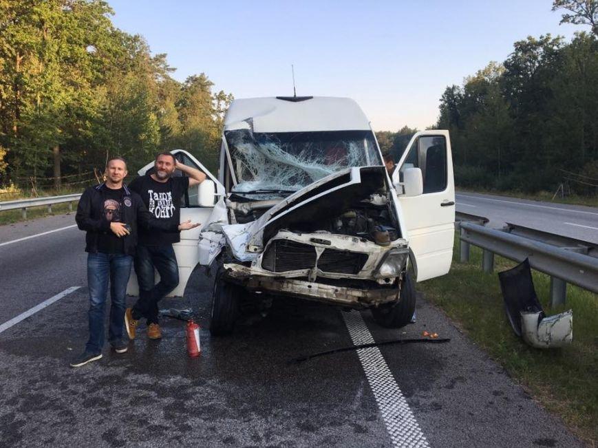 Микроавтобус с известной группой ТНМК  по дороге в Кропивницкий попал в ДТП (ФОТО), фото-3