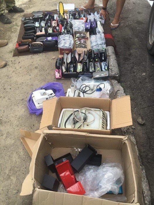 СБУ задержала в районе АТО незаконные грузы на полмиллиона гривен, фото-3