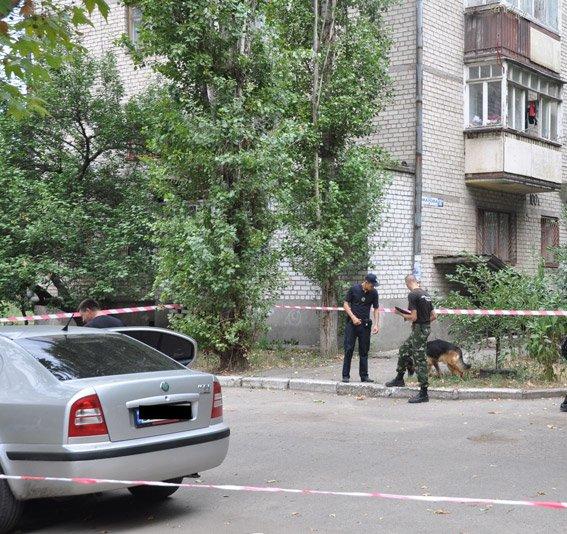 Заботясь о безопасности Николаева, горожане сообщили полицейским о заминированном автомобиле (ФОТО), фото-1