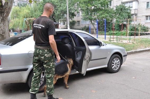 Заботясь о безопасности Николаева, горожане сообщили полицейским о заминированном автомобиле (ФОТО), фото-2