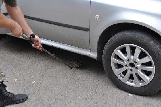 Заботясь о безопасности Николаева, горожане сообщили полицейским о заминированном автомобиле (ФОТО), фото-5