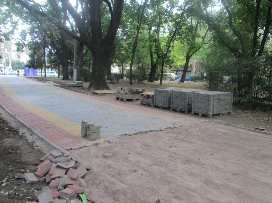 Одесский парк преобразили плиткой (ФОТО), фото-1