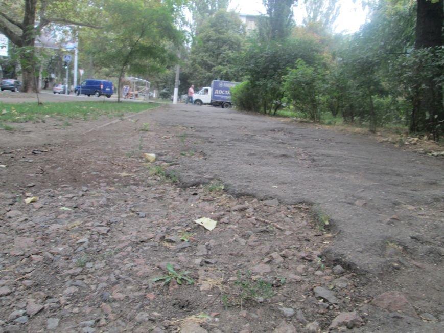 В Одессе пенсионеры жалуются на разбитую улицу (ФОТО), фото-2