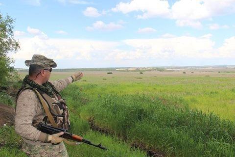 """Эксперт: Украинские войска """"висят"""" над Докучаевском с двух сторон, фото-1"""
