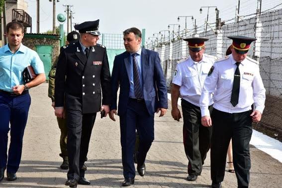 Заключенных Приазовской исполнительной колонии с праздником поздравил генерал Аброськин (ФОТО), фото-1