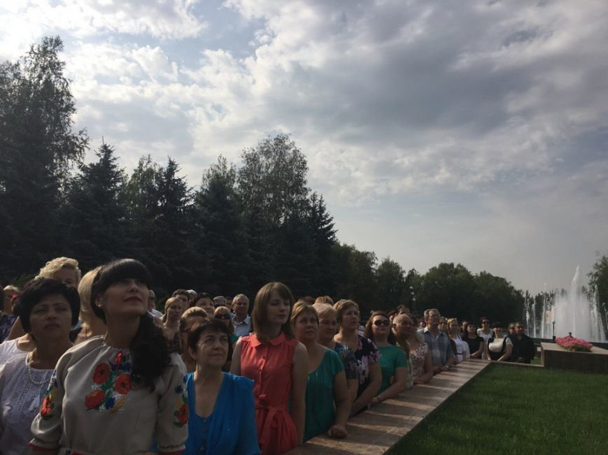 В Кривом Роге торжественно подняли Государственный Флаг Украины (ФОТО), фото-10