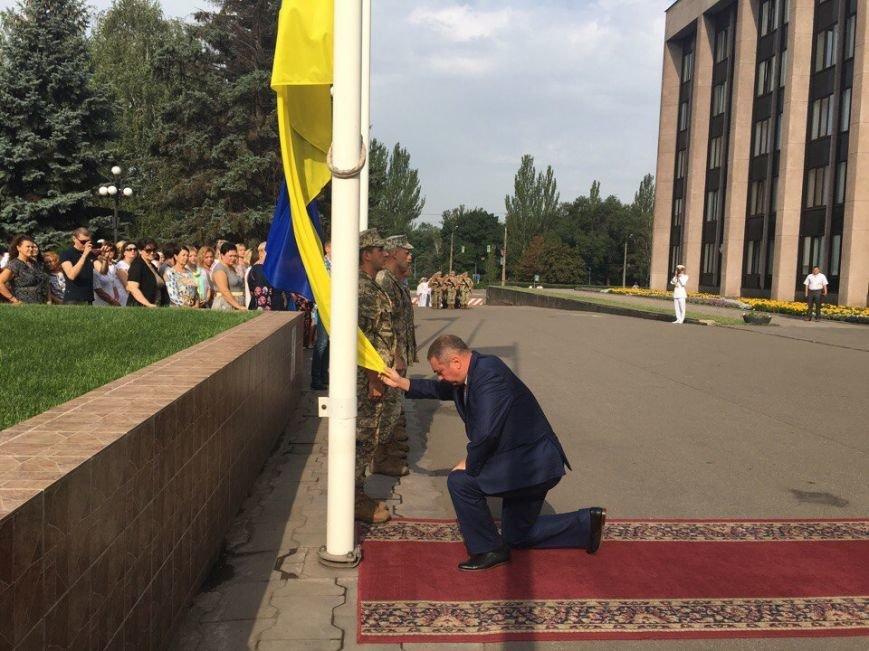 В Кривом Роге торжественно подняли Государственный Флаг Украины (ФОТО), фото-4