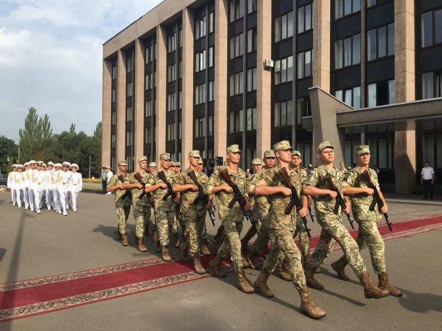 В Кривом Роге торжественно подняли Государственный Флаг Украины (ФОТО), фото-8