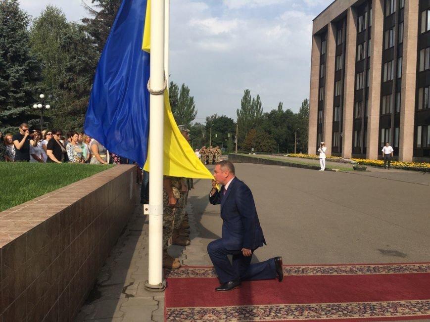 В Кривом Роге торжественно подняли Государственный Флаг Украины (ФОТО), фото-5