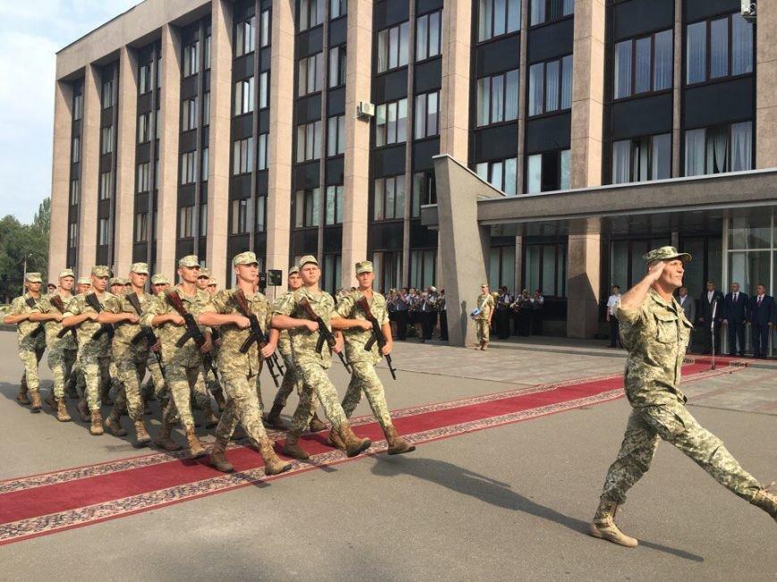 В Кривом Роге торжественно подняли Государственный Флаг Украины (ФОТО), фото-9