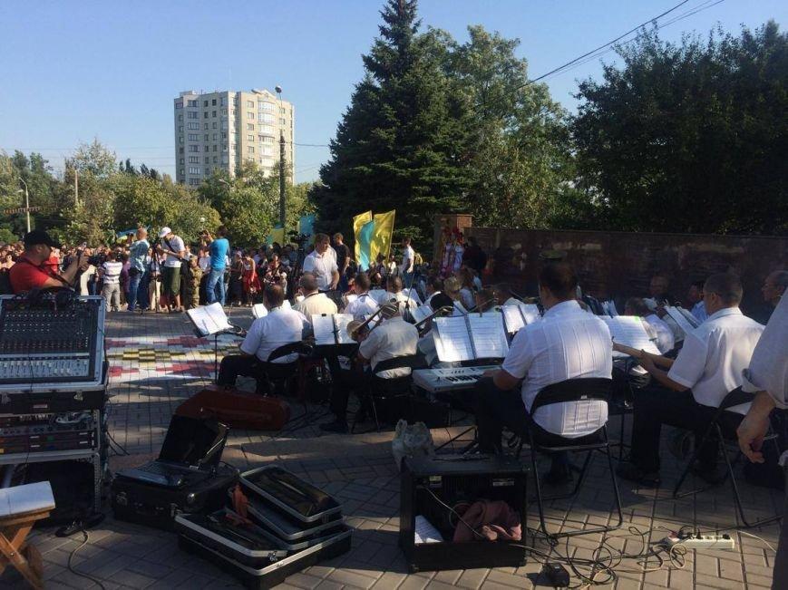 В Мариуполе губернатор поднял Государственный флаг Украины (ФОТО, ВИДЕО), фото-5
