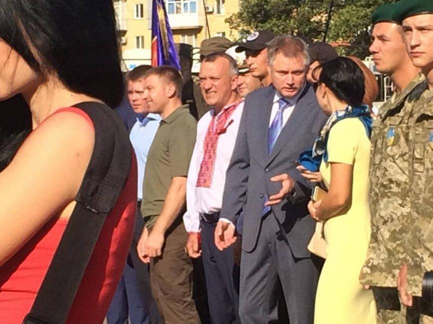 В Мариуполе губернатор поднял Государственный флаг Украины (ФОТО, ВИДЕО), фото-4