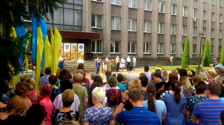 В Терновском районе подняли Флаг Украины: Это наше знамя, окропленное кровью лучших сыновей Украины (ФОТО), фото-3
