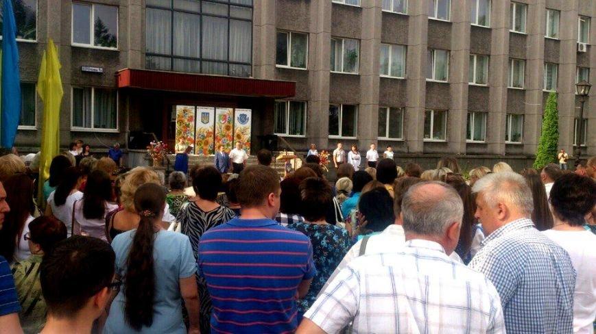 В Терновском районе подняли Флаг Украины: Это наше знамя, окропленное кровью лучших сыновей Украины (ФОТО), фото-5