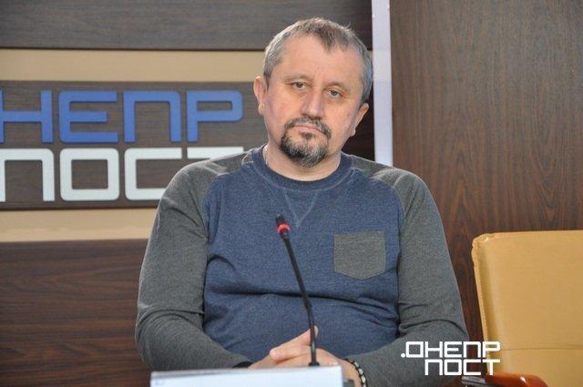 Экс-активист «Правого сектора» из Каменского стал заслуженным врачом Украины, фото-1