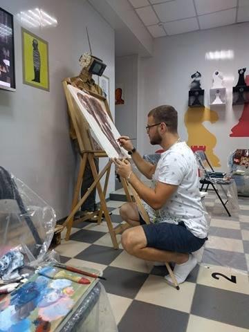 «Картина маслом»: в Мариуполе влюбленные пары открывают новый вид досуга (ФОТО), фото-2